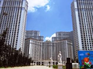 ハノイ市内のマンションとショッピングセンターの複合ビル。マンションには政府関係者などのベトナム人富裕層や外国人が住む