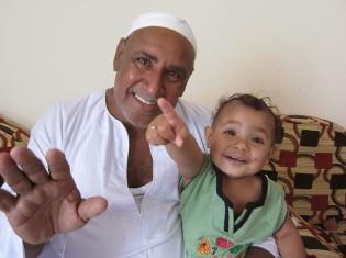 右側の男の子との名前はアブド・エル・ラハマーン。有名な名前のひとつ