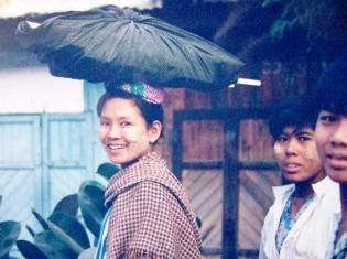 ミャンマーの女性