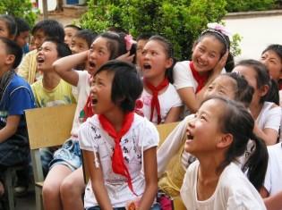 1010木本さん、写真1_子ども向け環境教育[1]