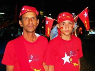 ②NLDのボランティアのウーファンミンさん(21歳、ビルマ族)