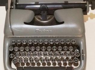 1109松本さん、アラビア文字タイプライター