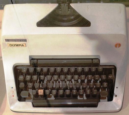 ビルマ文字タイプライター