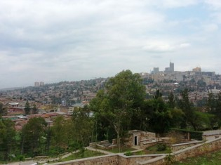 「千の丘の国」と呼ばれるルワンダ。首都の気温は1年を通して20度前後と涼しく、コーヒー栽培に最適だ