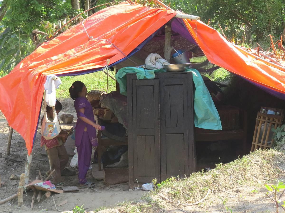 ネパール地震の被災者はこうした仮設住宅で暮らす