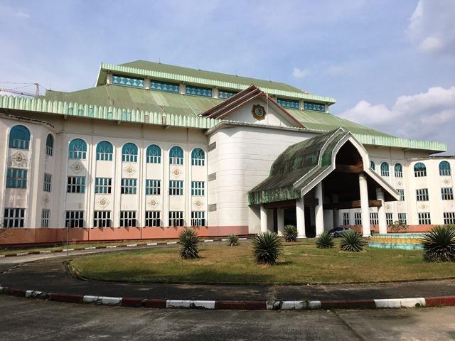 3階建ての麻薬撲滅博物館は、ミャンマーにしては驚くほど豪華な作りだ。建設費用は軍政時代に「国民の寄付」で賄われたという