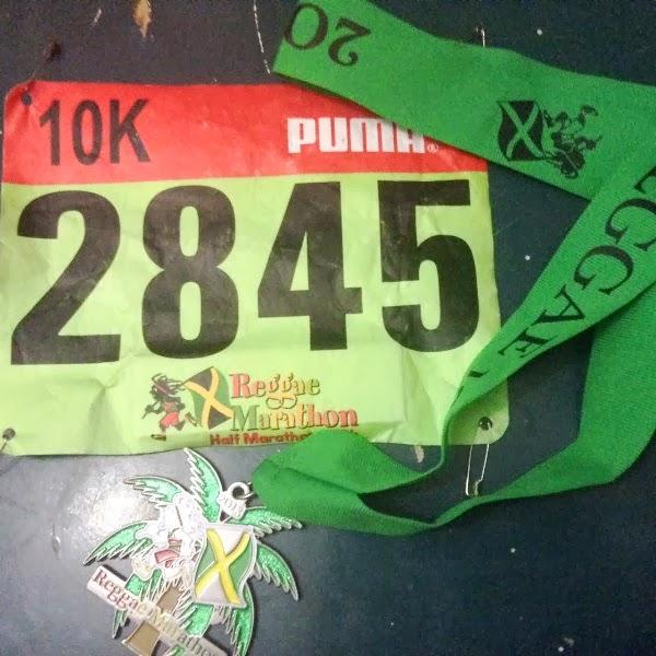 完走者全員がもらえる記念メダル。走る距離によって色が違う。緑色は10キロメートル用