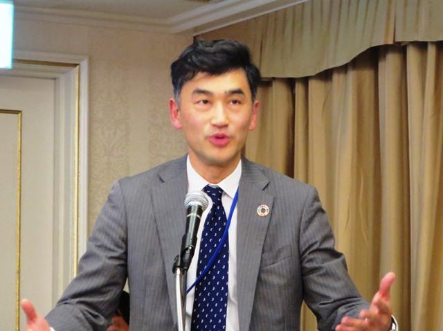 イベントに登壇した外務省の塚田玉樹国際協力局参事官。女性が活躍するための前提として「世界のすべての人がSRH(セクシュアル・リプロダクティブ・ヘルス)サービスを利用できることが必要だ」と述べた