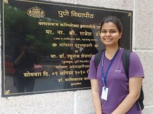 数学を専攻するナムラタさん。両親は女子が大学院に行くことを全面的に応援してくれるという。将来の夢は、エンジニアになってバリバリ働くこと(プネー大学の女性センターで)