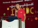 NMDCtvの1周年記念イベントの開会式であいさつするテッアウンピョーさん(ミャンマー・ヤンゴン)