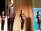 東京・渋谷の国連大学で開かれたイベントで、おいしいダンスをみんなと一緒に踊るEXILEのÜSAさん。毎月5000円を寄付するWFPのマンスリーサポーターでもある