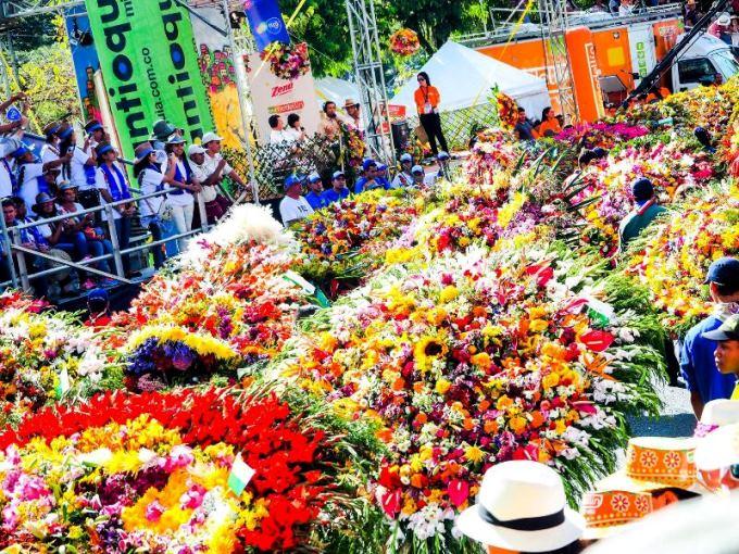 1年で一番メデジンが盛り上がる「花祭り」。日本ではまだあまり知られていないが、世界中から観光客が訪れる