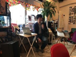 都内で講演するジャーナリストの下村靖樹さん
