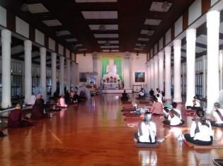 尼僧院のなかにある瞑想ホール(ミャンマー・モン州のパ・オーク森林寺院)