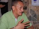 10月に実施される、コロンビアのアンティオキア州議会選挙で当選を目指す元FARC幹部のマヌエル・ゴンサレスさん。落ち着いた表情で自分の過去を語る。インタビュー後は4人のボディーガードとともに帰っていった