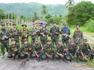 アラカン軍のフェイスブックページに掲載されていたメンバーの写真(現在は見られない)