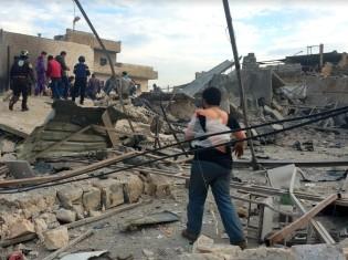 政府軍が爆撃したイドリブの街中(Merna AlHasan/SSJ)