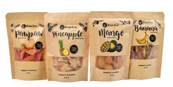 イヴァヤファームが売る4種類のドライフルーツ。左からパパイヤ、パイナップル、マンゴー、バナナ。各45グラム