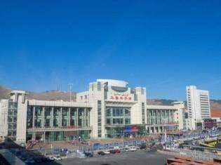 新疆ウイグル自治区の区都ウルムチにあるウルムチ南駅。記事とは関係ありません(写真AC)