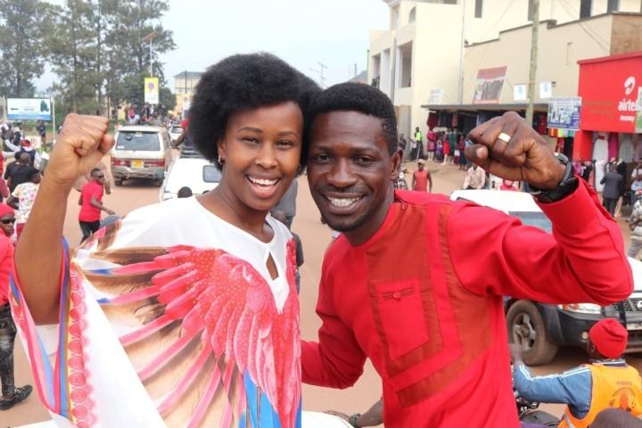 ボビ・ワインと妻のバーバラ(2020 Bobi Wine Facebookより)