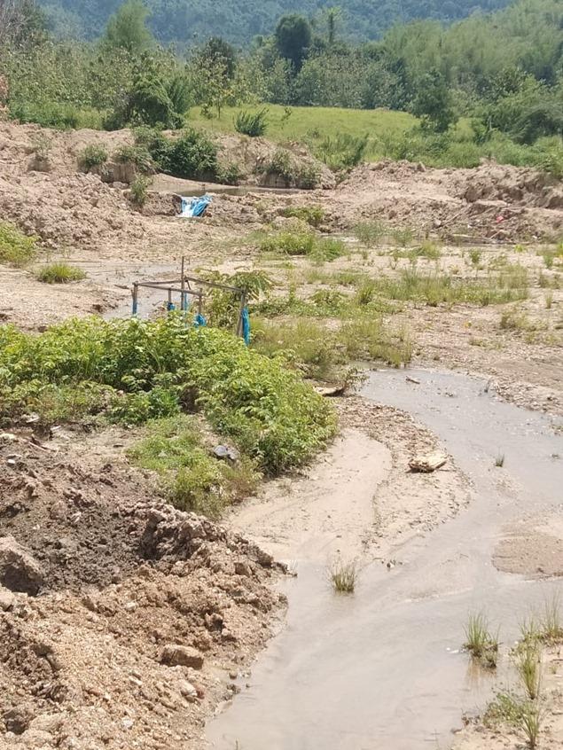 採掘現場から出た土砂が引き起こしたがけ崩れ(インドネシア・スラウェシ島)。写真は、インドネシア環境フォーラム(WALHI)南東スラウェシが提供